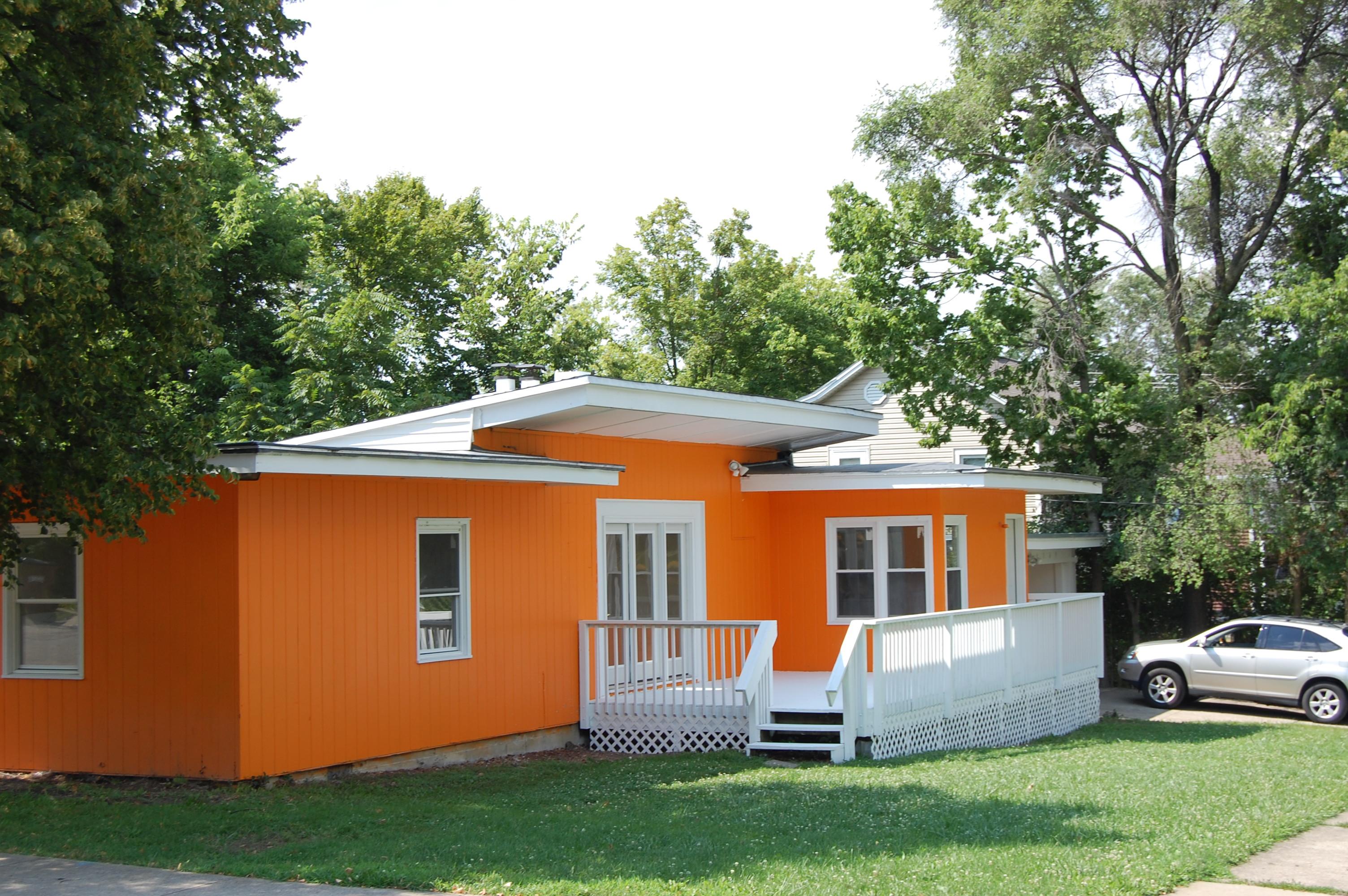 318 N Campus Orange Crush
